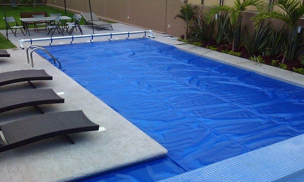 consejos para elegir lona de piscina