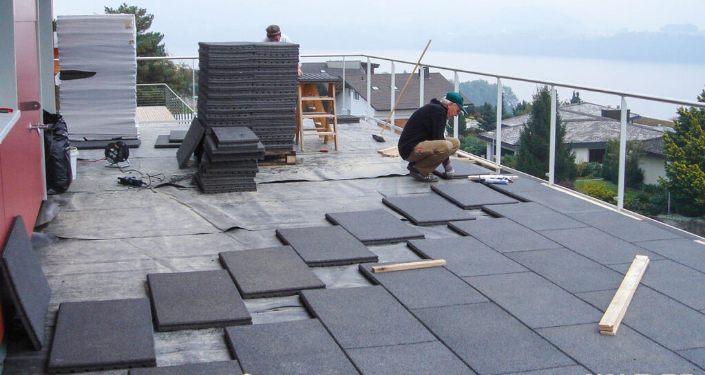 tipos de suelo que puedes instalar en tu terraza o cerramiento
